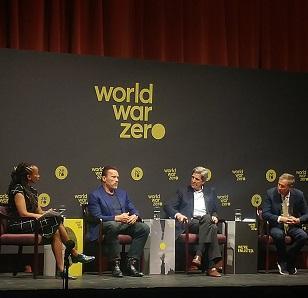 Kerry, Schwartzenegger and Kasich on stage