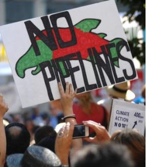 A sign reading No Pipelines