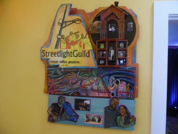 Sign that says Streetlight Guild