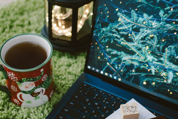 Many turn to teleconference for Christmas