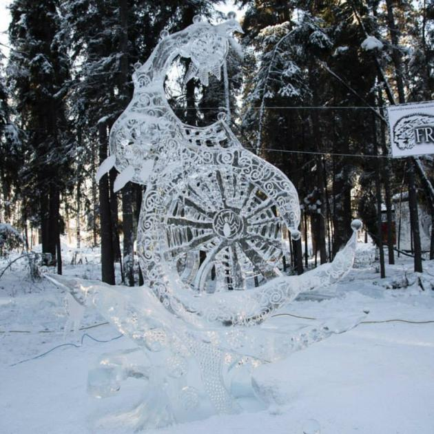 Elaborate ice sculpture