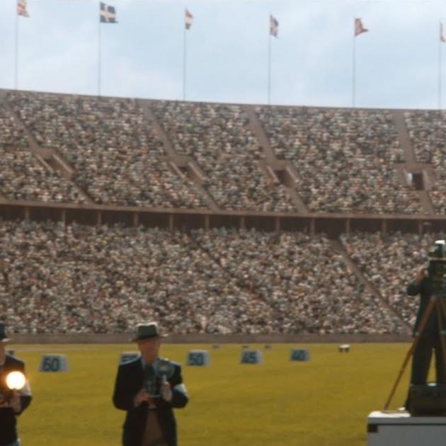 Jesse Owens on a field
