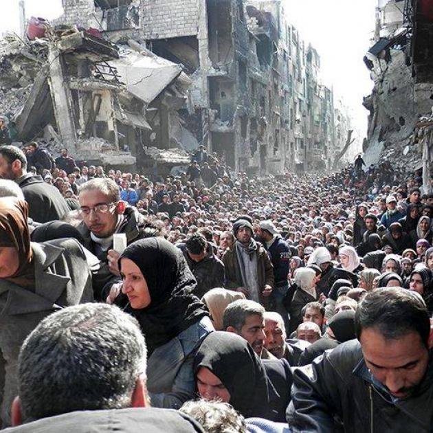 Bombed building and Syrian people fleeing
