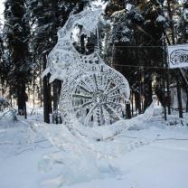 Elaborate ice sculpture